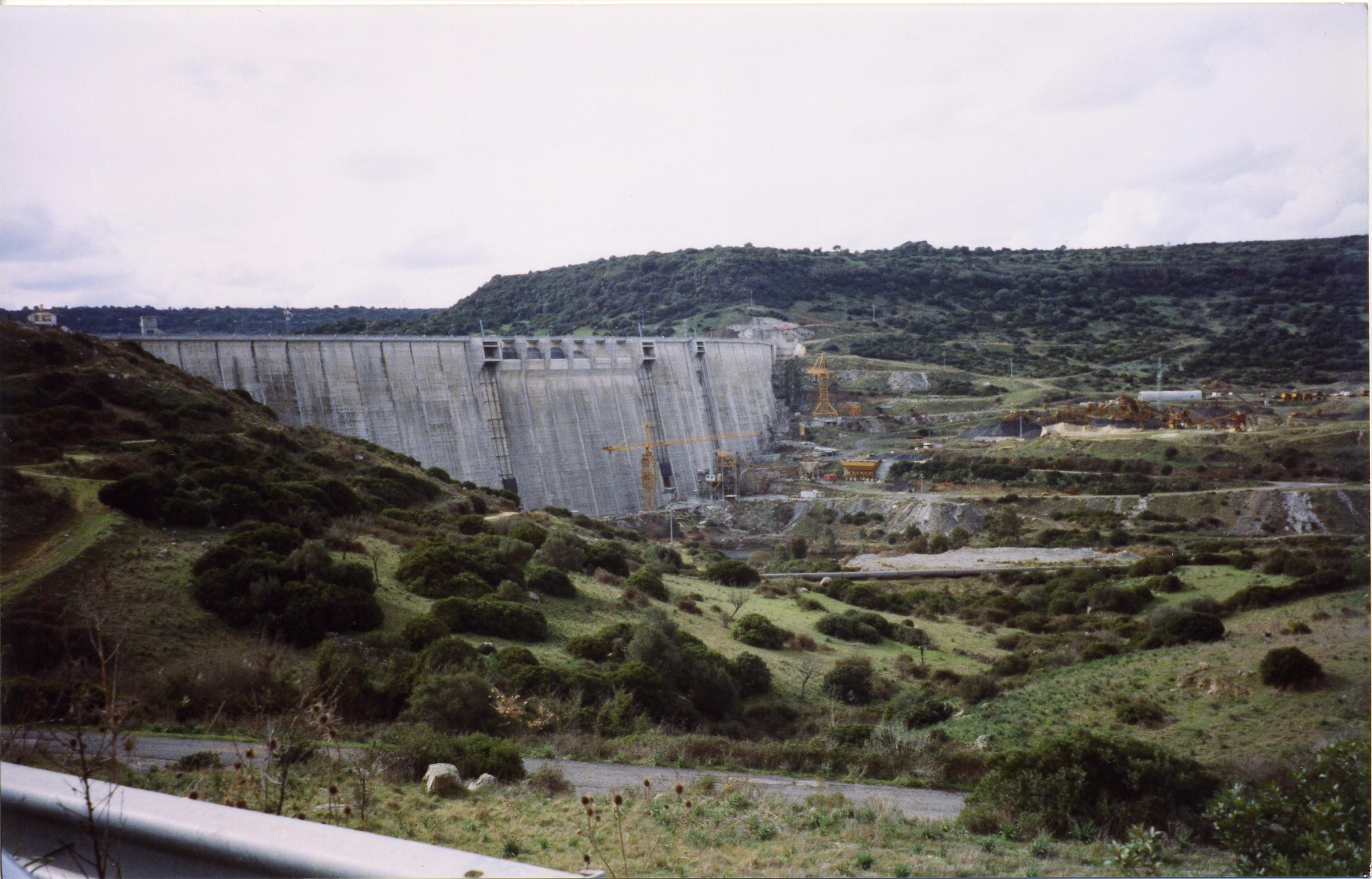 Aprile 1999 - Fasi di costruzione