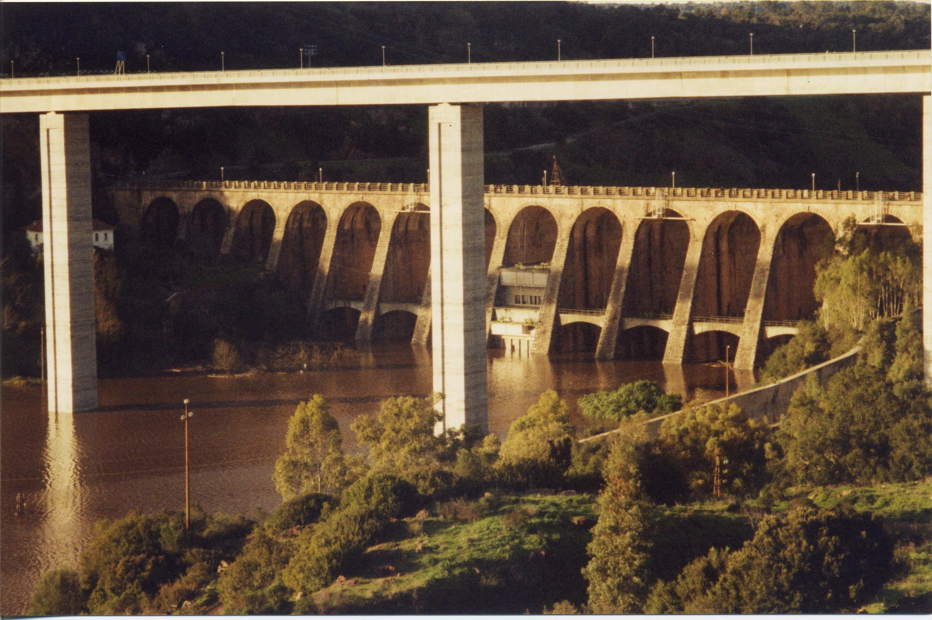 Gennaio 2001 - Vista del vecchio invaso
