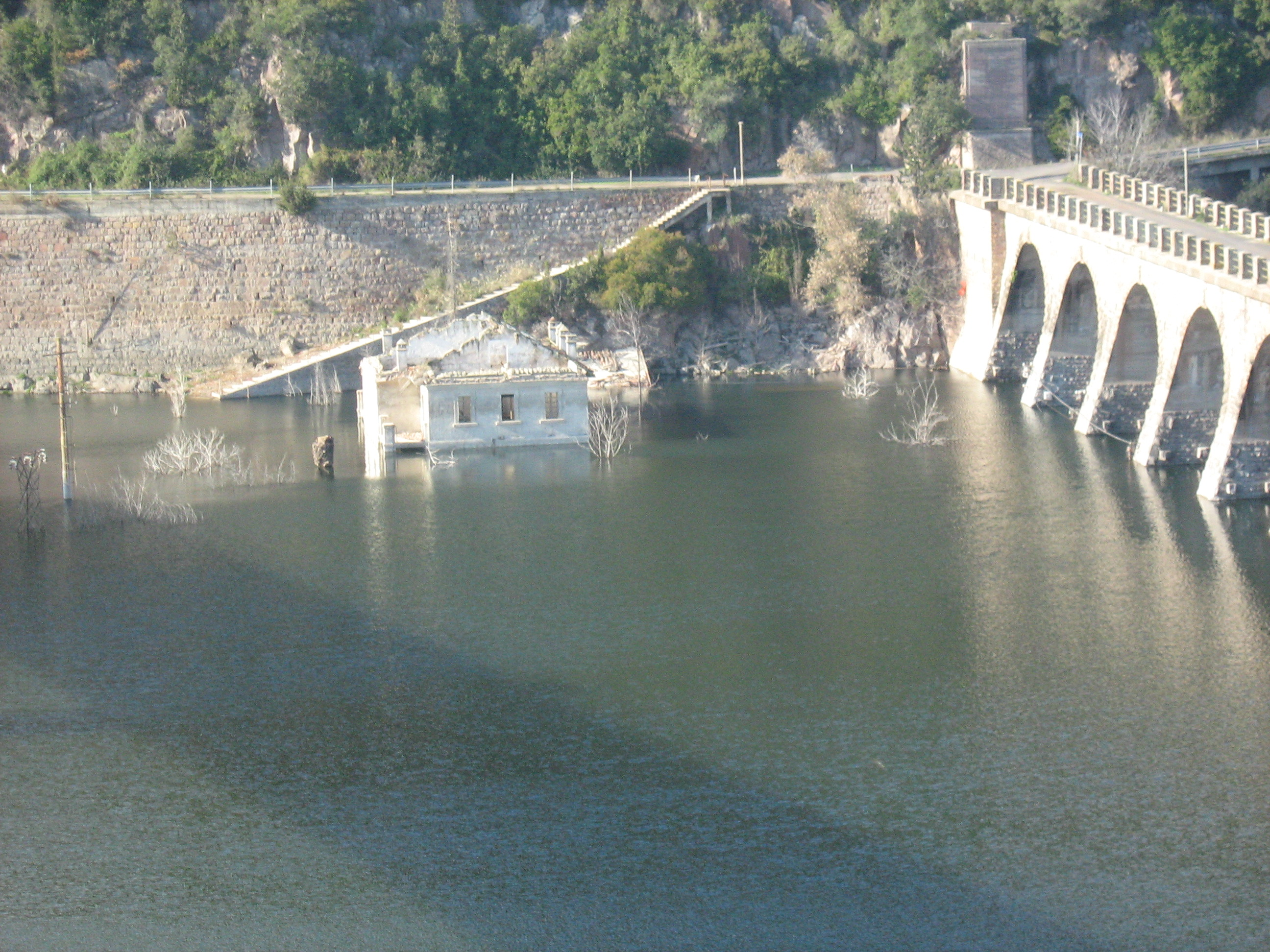 Dicembre 2007 - Vista della casa sommersa