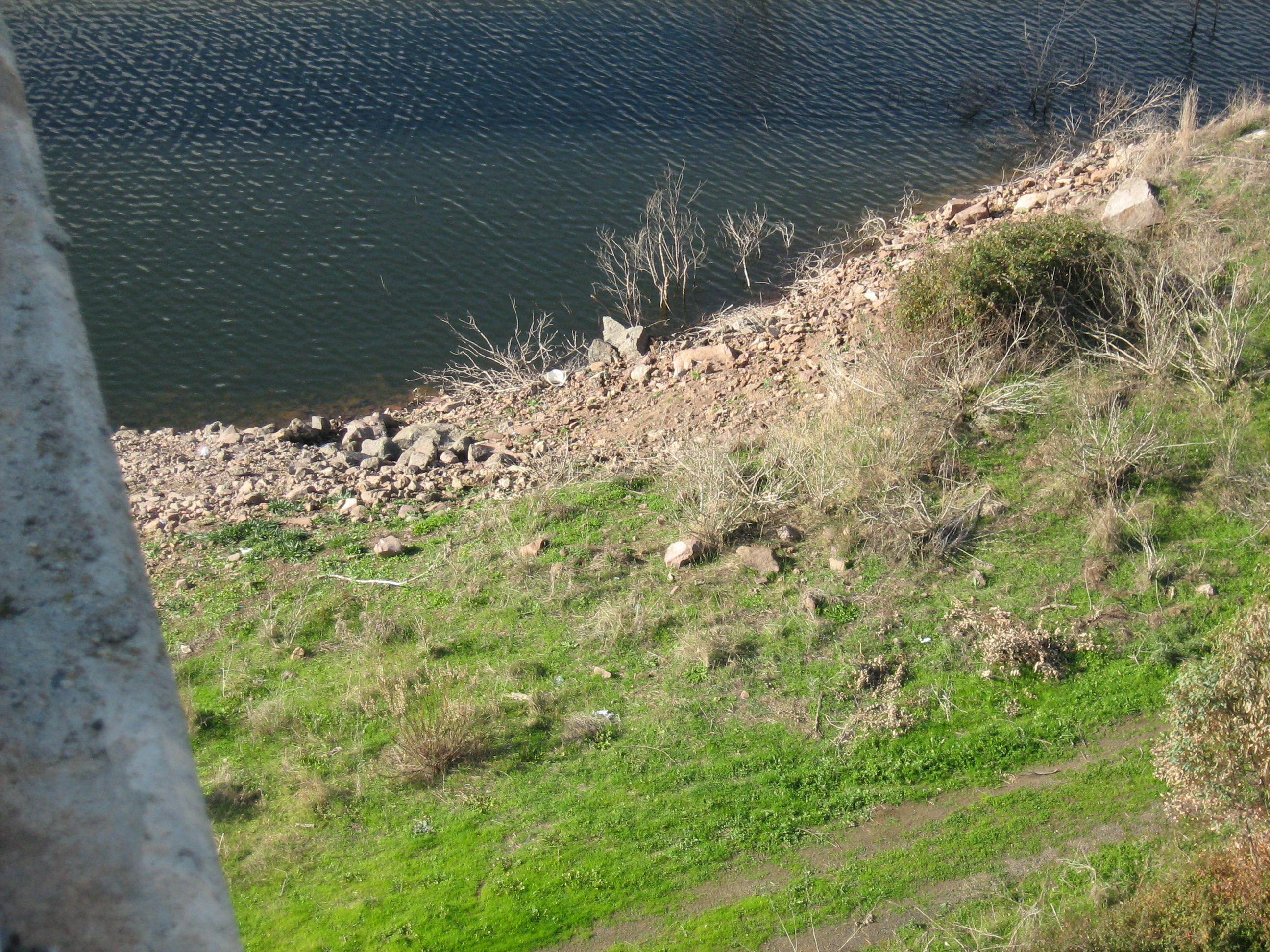 Dicembre 2007 -  Altra vista del lago