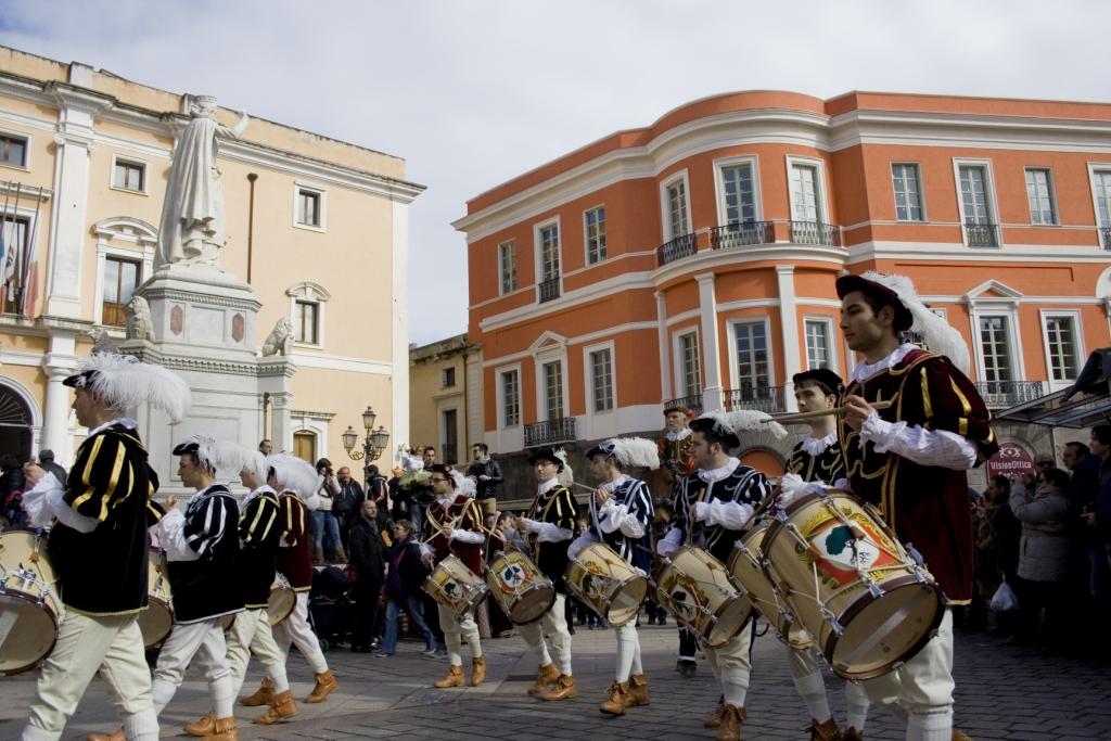 Arrivo del corteo in piazza Eleonora
