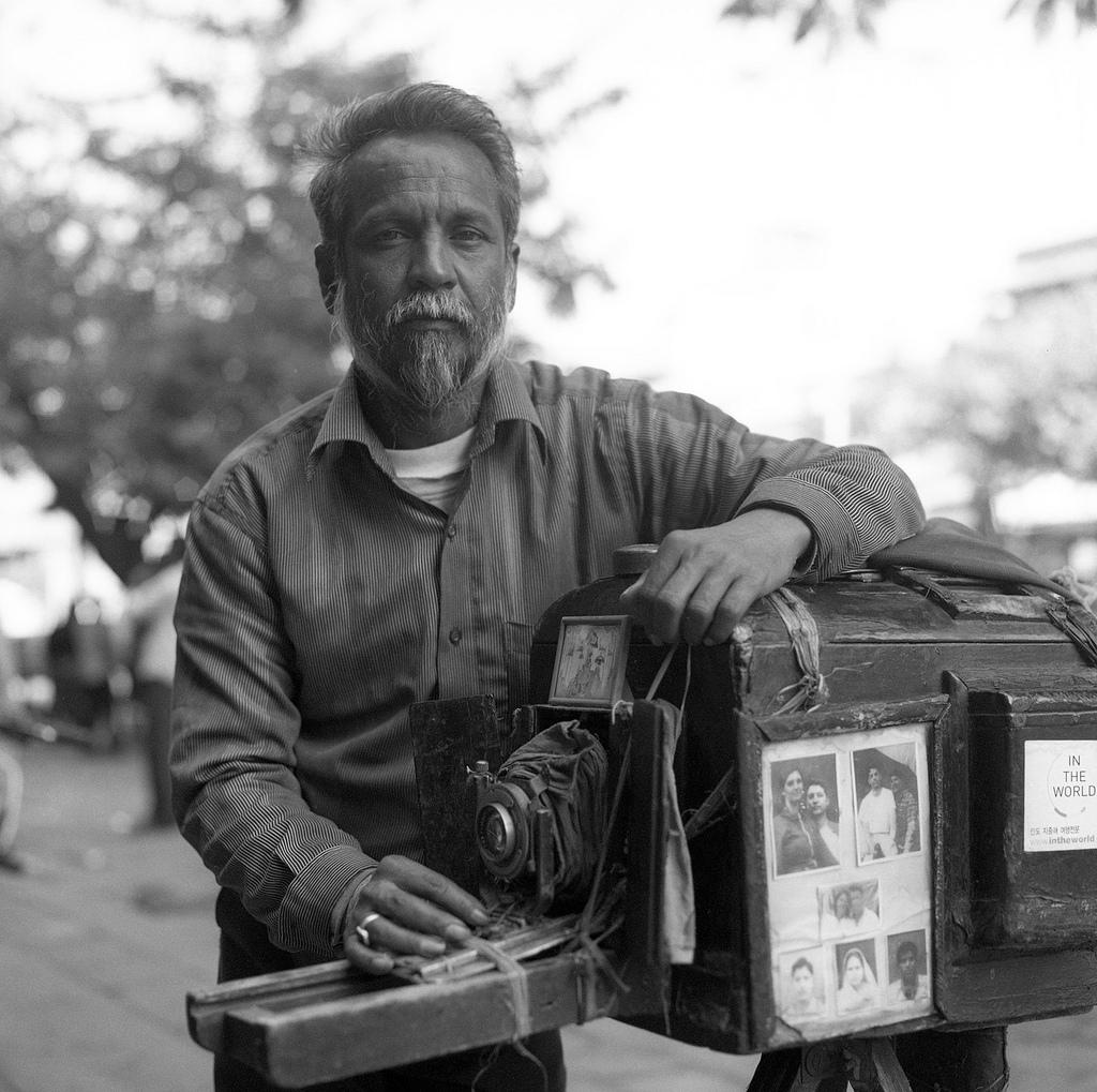 02-fotografo-indiano