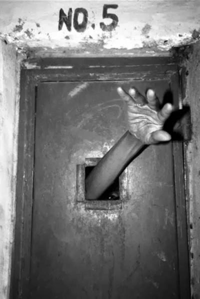 terrorificas_imagenes_psiquiatricos_asilos_pasado_31