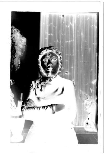 "Modella ""in maschera"". (negativo)"