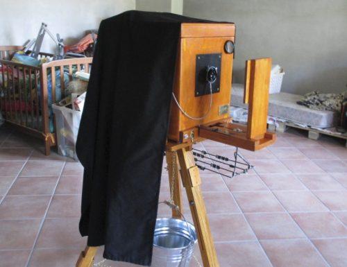 Cavalletto in legno per fotocamera G.F.