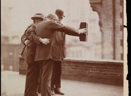 Selfie con banco ottico