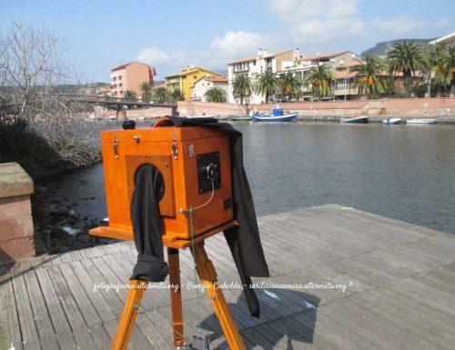 Fotocamera a sviluppo istantaneo